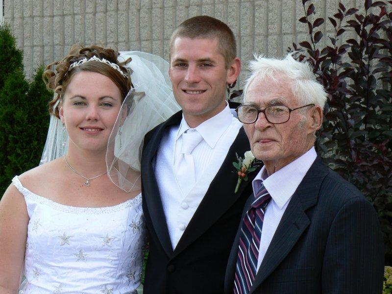 judy&dans pond&wedding pictures 190