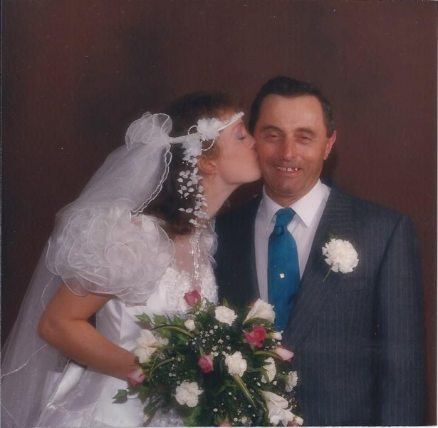 Annette kissing Dad