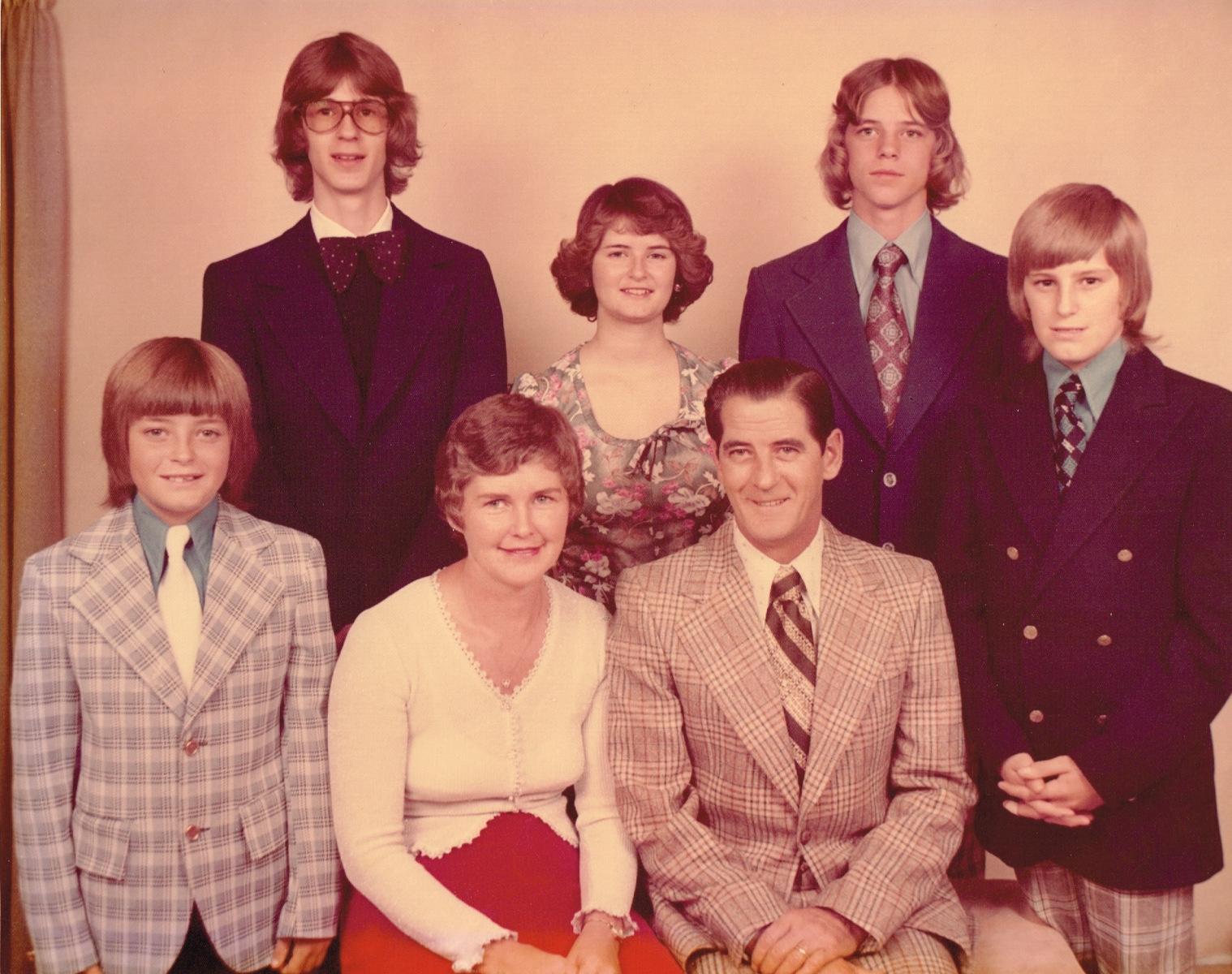 14-Barr-Family-1975
