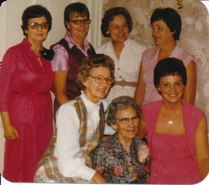 Jessie Ford (1980) 90th Birthday (Front) Dorothy Jessie_Vesta (Back)  Lyla_Faye_Marie_Myrt (2)