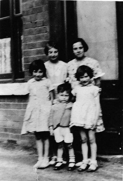 1936 Gladys 12yrs Walsall