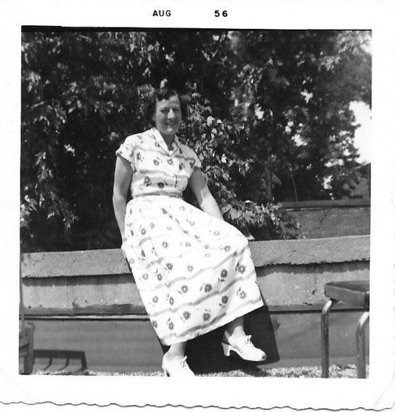 Gladys 31yrs Aug 1956 Toronto 1