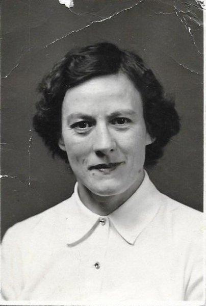 Gladys Toronto 30yrs 1