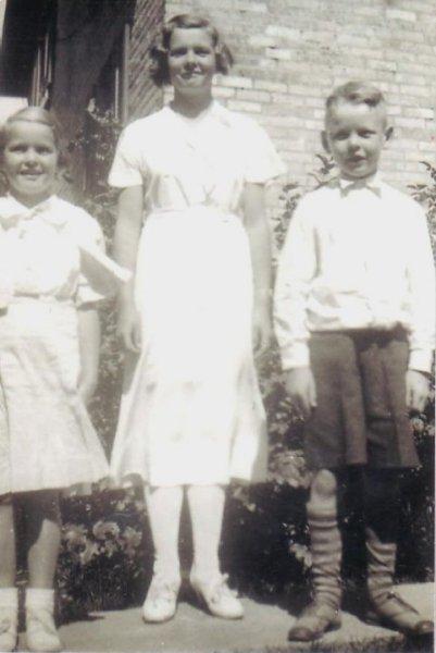 Margaret, Isabel and John Templeman