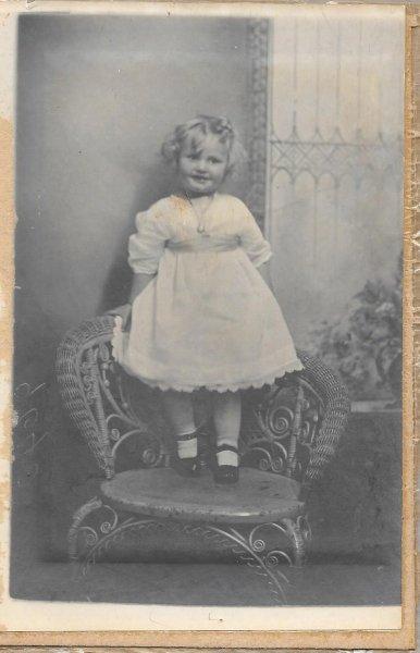 Marion Ferguson circa 1919.jpg