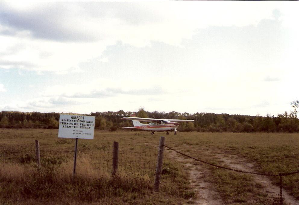 225-Manitouwadge-landing-Sept-27-1980