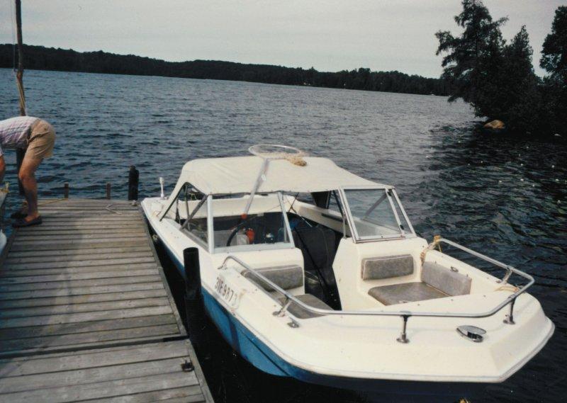 Blue boat cottage