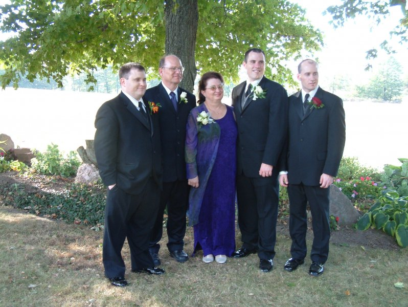 David wedding boys photo with Mom and Dad