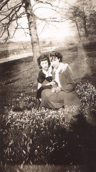 Dorothy and ruth Hermann