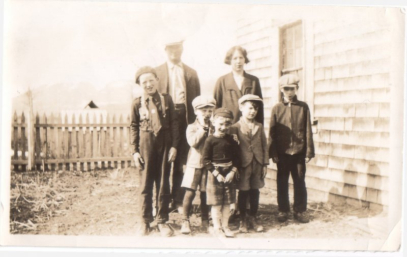 Earl Lorne Harvey Vernon and Leroy and the family of boys from both families
