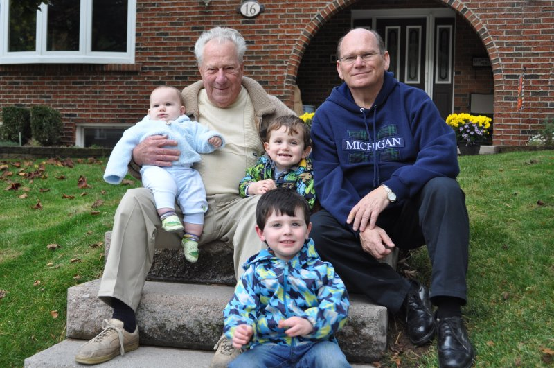 Rockwood boys and Dad-Ken on front steps at Coventry