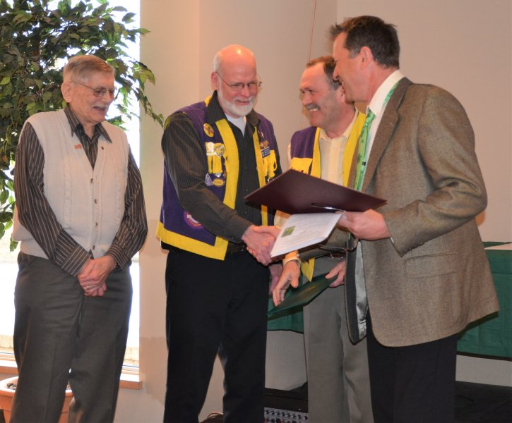 Lion-Ted-Jones-and-Friends-Conservationist-Award-2011-to-Exeter-Lions