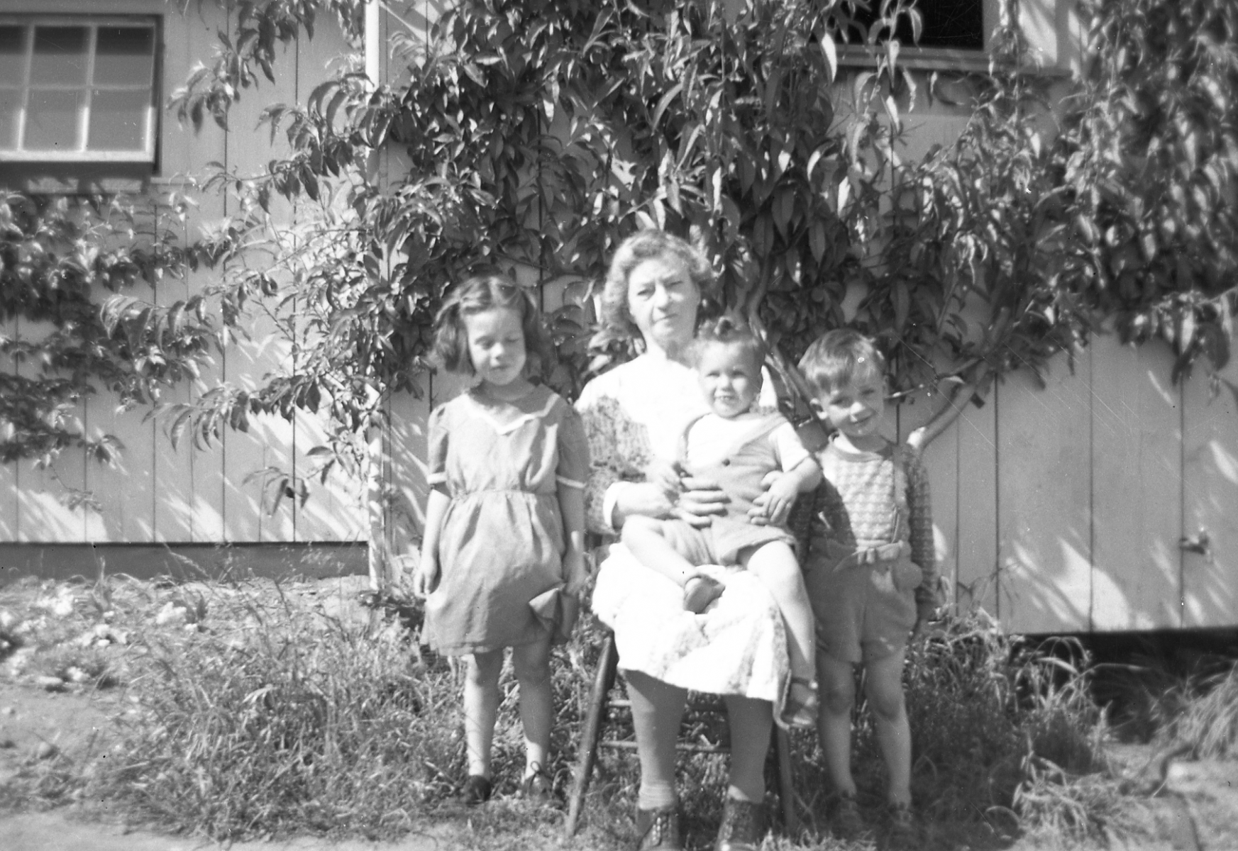 15-Alice-Grandma-Pratt-Calvin-and-Walter-00008