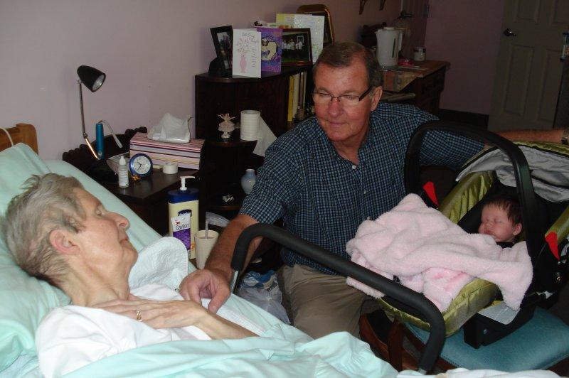 Delaney Meets Great Grandma Moore 003