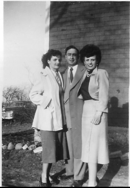Eileen, Clem & Ruth O'Leary