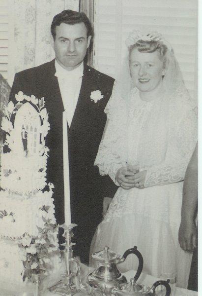 Hugh & Rita wedding cake 1950