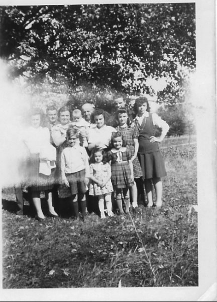 Madeline, Hugh, Mom, Gerald, Dad, Len, Ruth , Eileen, Bernic