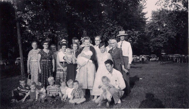 Ross Grace Family with Newborn Cheryl