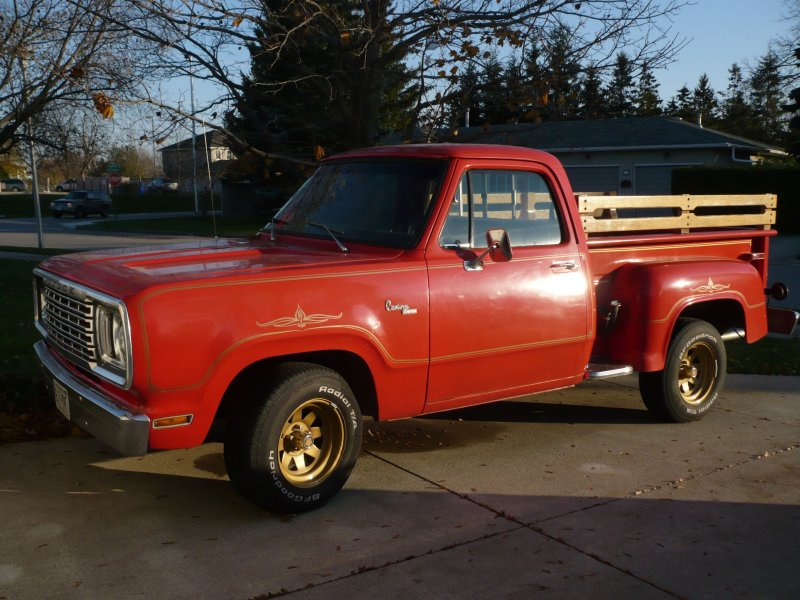 1977 Dodge Truck 001