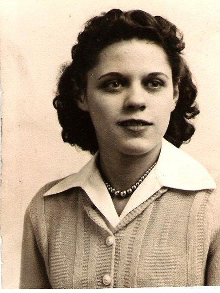 1940s-josie
