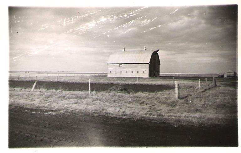 1954-barn-near-moose-jaw