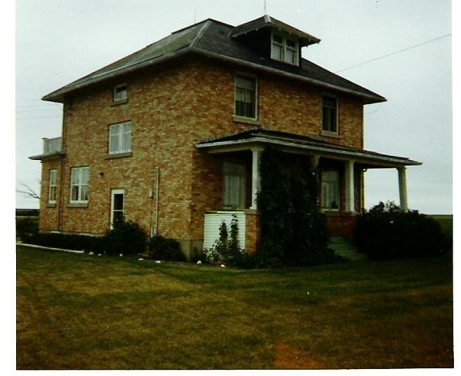 1970-07-18-moose-jaw-farm-house