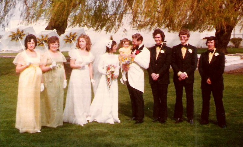 1974-05-18-ron-sues-wedding-party