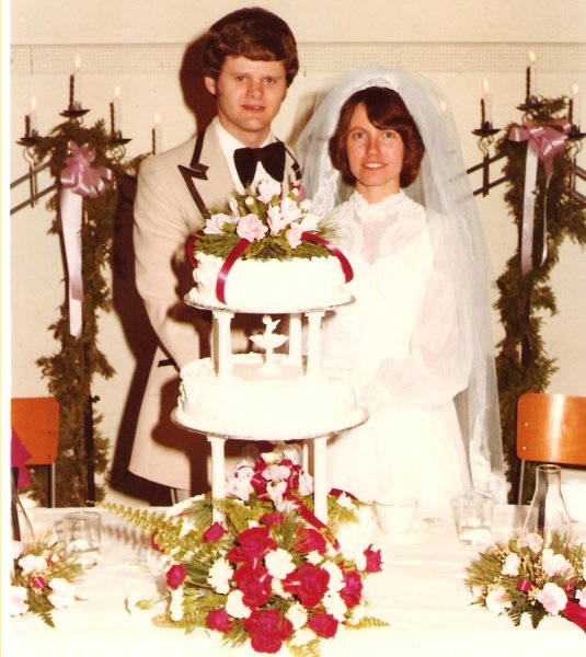1979-12-29-d-r-wedding-and-cake