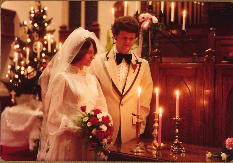 1979-12-29-d-r-wedding-candles