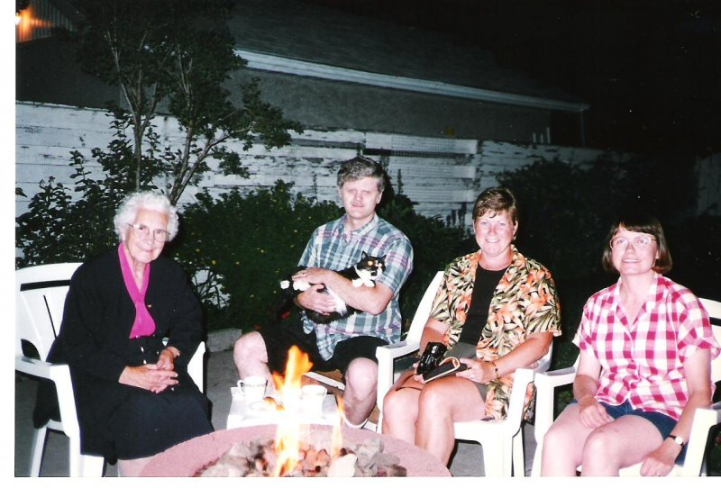 1997-08-06-calgary-mary-kerslake-d-wendy-kerslake-r