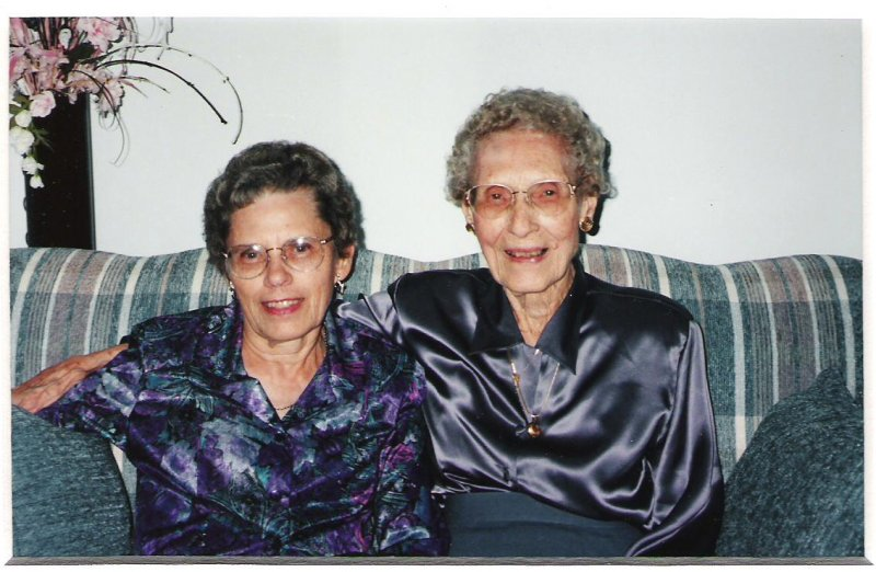 1998-09-27-josie-and-mary-horney-in-exeter
