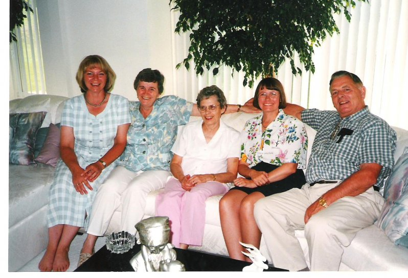1999-09-02-northville-michigan-j-r-with-henriettas-family