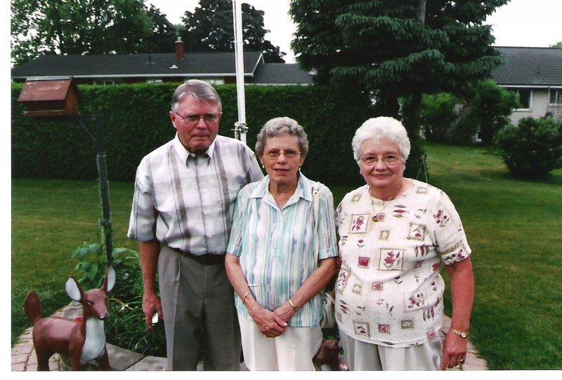 2005-06-12-exeter-bob-mabel-hern-josie