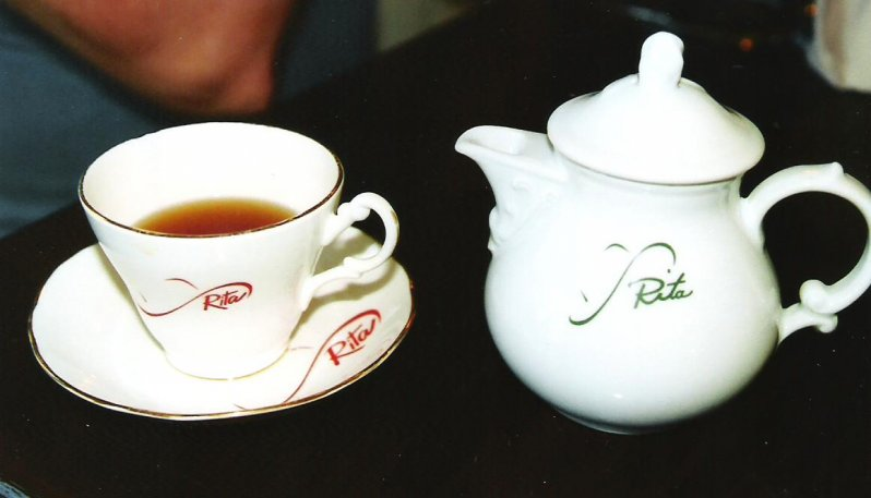 2005-06-24-tea-at-rita-macneils-tea-room-big-pond-cape-breton-island