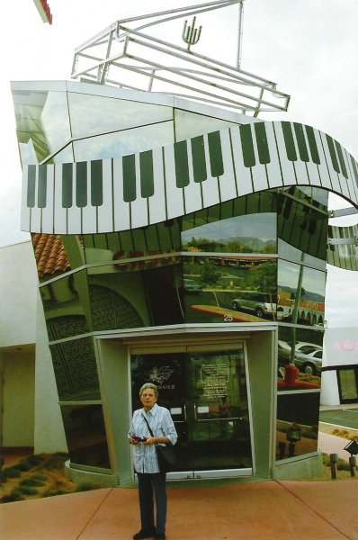 2006-10-01-liberace-museum-las-vegastif