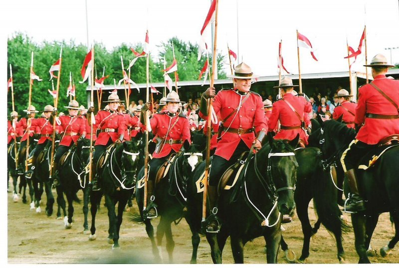 2008-09-11-rcmp-musical-ride-exeter