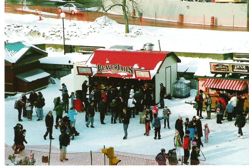 2009-02-22-rideau-canal-skateway-beavertails