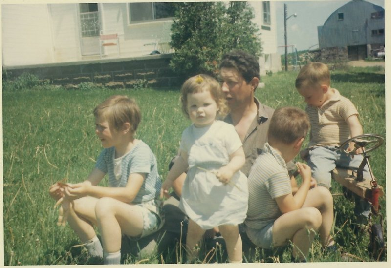 Farm 1960's Family kids