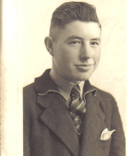 dad 1943 19 yrs. old