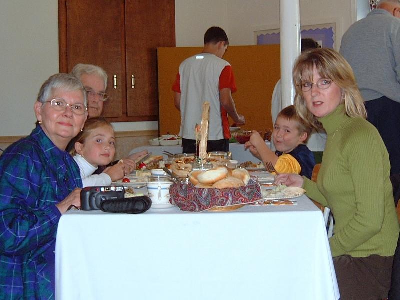 thanksgiving-2001-03-wilson-table