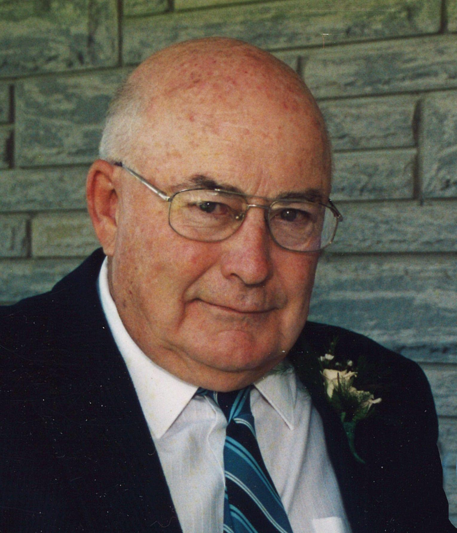 Raymond  Henderson
