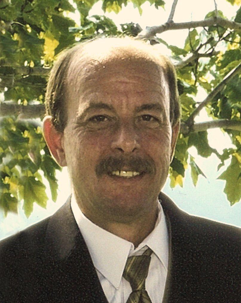 Mike  Hak