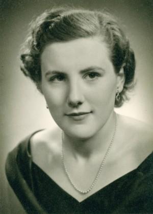 "CRACKNELL: Elizabeth ""Ann"" (Almond) of Ilderton Formerly of Paisley"