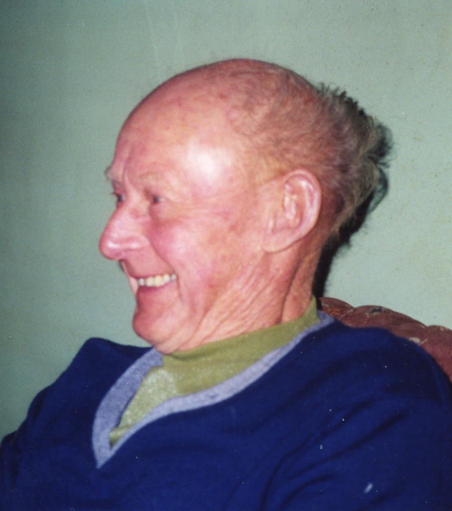 elliott  Hackwell
