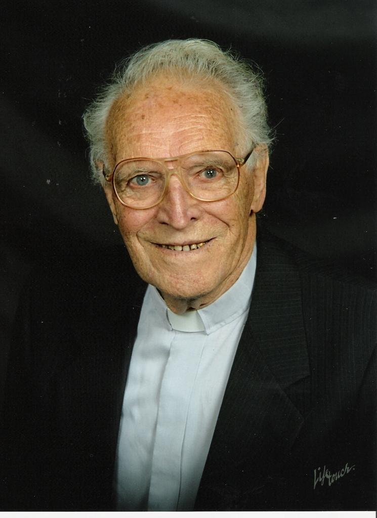 Rev. Arthur  Horst